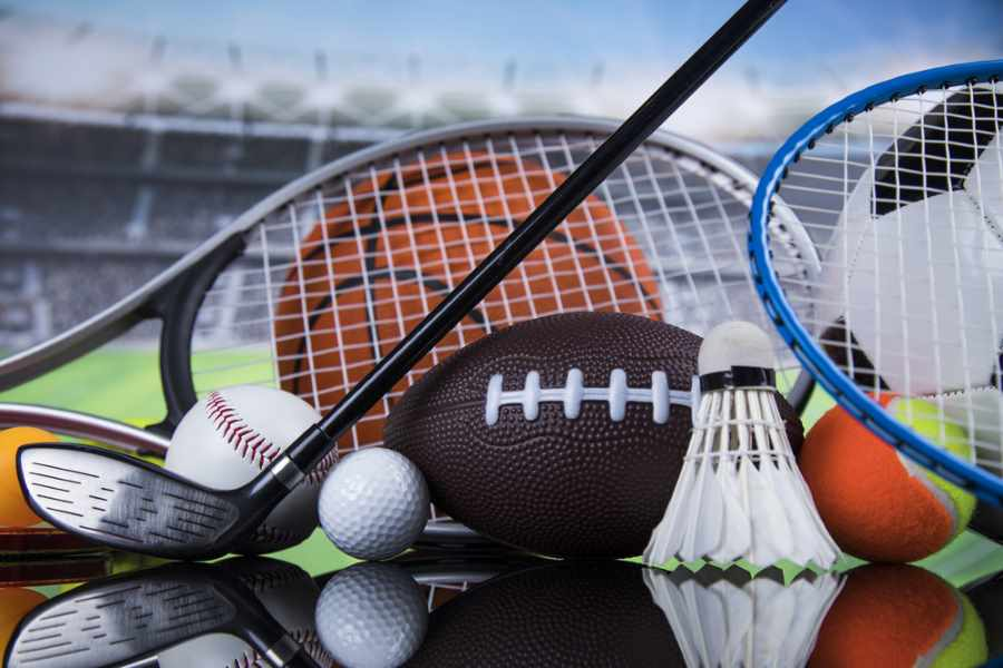 Should I Play Varsity or Intramural Sports in College